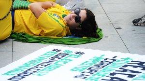 Torcida-protesto-maracana-seguranca-final-20130630-08-size-598